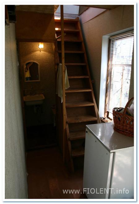 Дом Ирины. Лестница на второй этаж