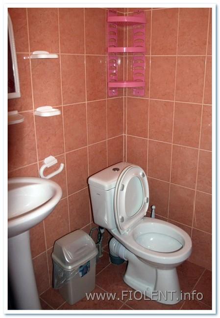 Левада, туалет улучшенных номеров