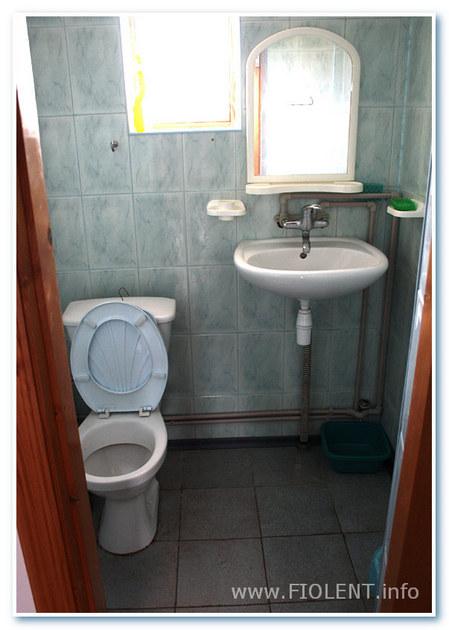 Дом Инны. Туалеты и души.